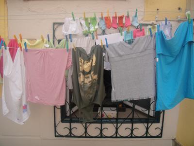 Alfama Lisbon hanging laundry 20
