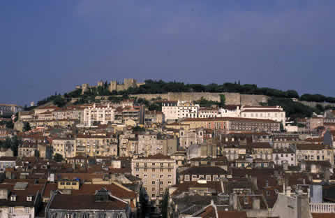 Lisbon-castle-upon-the-hill