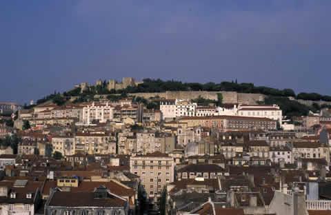 Lisbon-castle-upon-the-hill