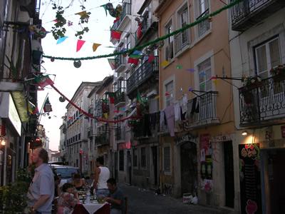 Bairro Alto Rua Barroca Santo Santionio Side