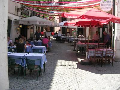 Alfama history fado restaurants