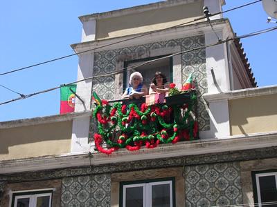 Lisbon  Santo Antonio 2 women Alfama