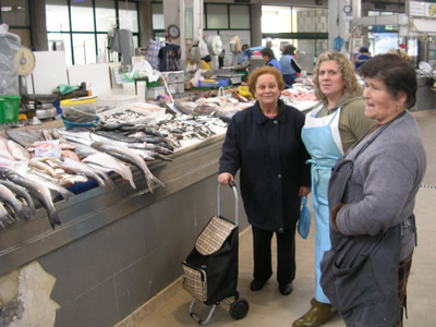 Lisbon Shopping: Mercado de Arroios fish