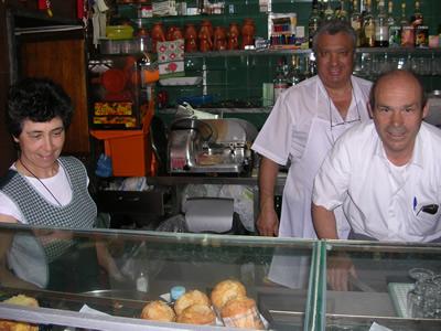 Lisbon Feira da Ladra owners restaurant O Panteao