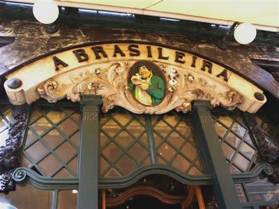 Lisbon shopping: Rua Garett cafe a Brasileira outside