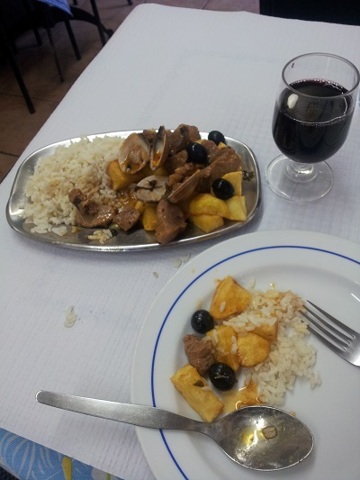 Carne de porco à Alentejana Lisbon Mouraria cheap restaurants