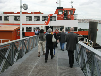 Lisbon Caiso do Sodre ferry Cacilhas people