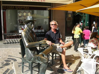 Lisbon Pessoa statue Rua Garrett & friend Hans