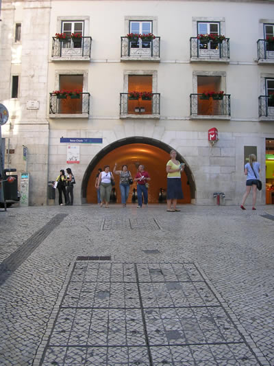 Metro Station Baixa Chiado Rua do Crucifixo entrance
