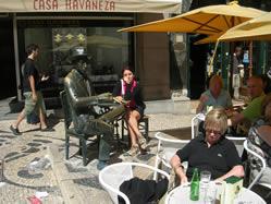 Lisbon Pessoa statue 9
