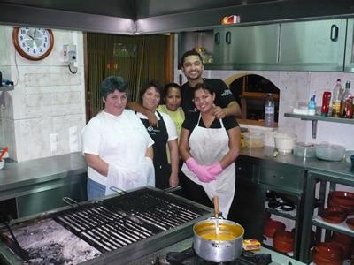 Restaurante Tropical do Medo kitchen
