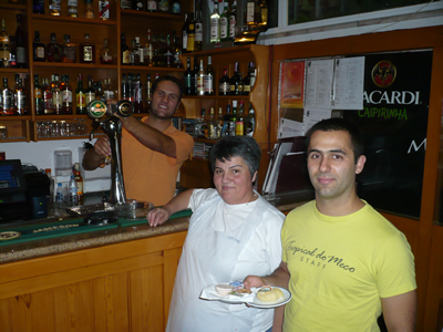 Meco restaurant Tropical do Meco owners Sergio Nuno and mother
