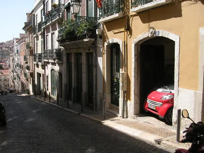 Lisbon Rua de Santa Catarina smart parking