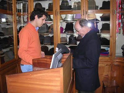 Azevedo Rua, Chapeus hat shop Pedro Fonseca