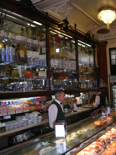 Tea lunchroom Versailles Lisbon 1