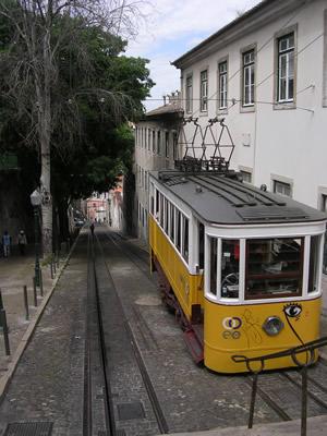 Funicular Gloria from Bairro Alto naar Restauradores2