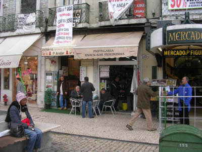 Praca da Figueria A Videirinha Restaurant bar Lisbon