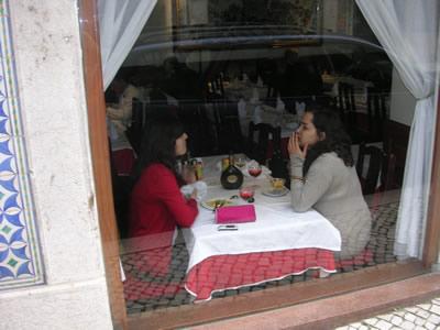 Lisbon Rua dos Bacalhoeiros lots of restaurants