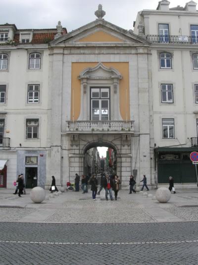 Lisbon Rossio Rua dos Sapateiros1 Arco do Bandeiro