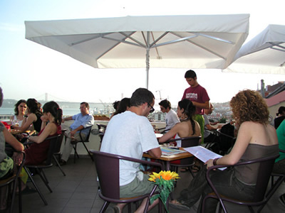 Noobai cafe bar Adamastor
