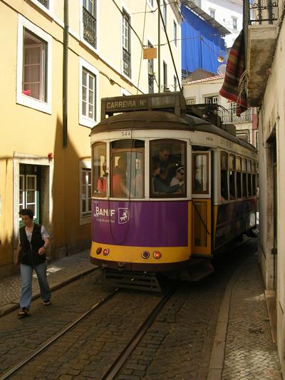 Alfama tram 28
