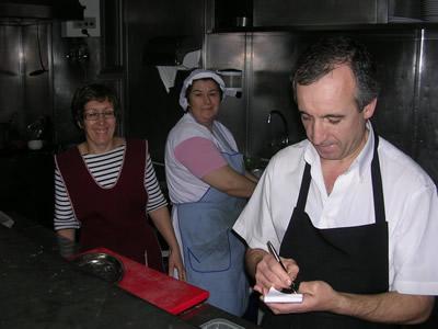 Lisbon Estefania Rua da Ilha Terceira restaurant owners