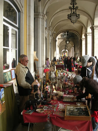 Flea market Praca do Comercio Lisbon Sundays5