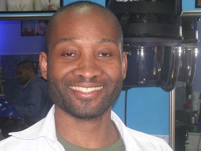 Tomé Costa Afro Luso hairdresser Calcada da Mouraria Lisbon 9