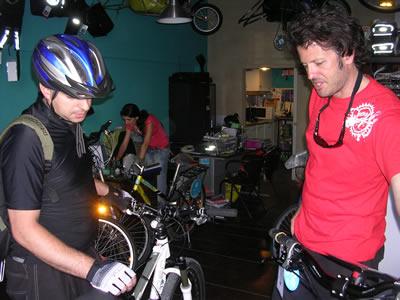 Rebt a bike Lisbon Bikiberia office shop Didier owner