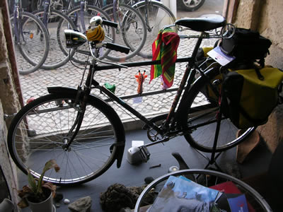Bikeiberia rent a bike in Lisbon shop and office vintage bike 2