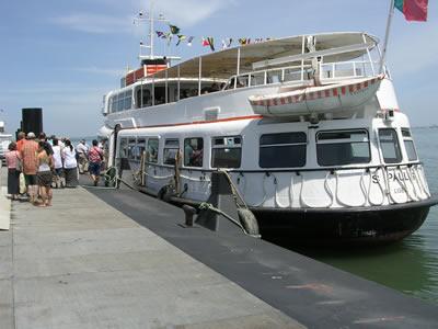 Cruise trip Tagus 3 hrs river Lisbon Cacilheiro Praca do Comercio