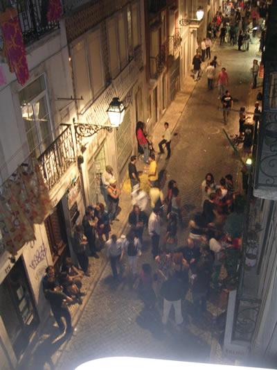 Bairro Alto by night Rua da Atalaia4