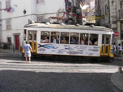 Santo Antonio Mouraria june 09 5 tram sardines