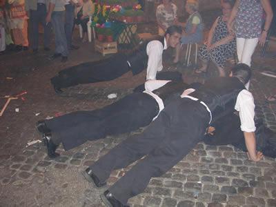Lisbon Santo Antonio Mouraria june 09 Largo macho students