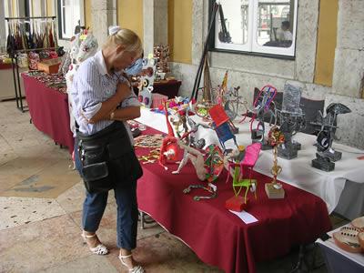Sunday flea handicraft vintage market Lisbon1