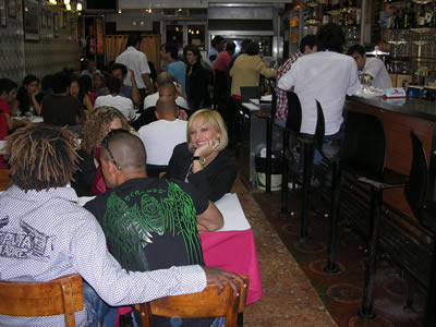 Restaurant Casa da india girl