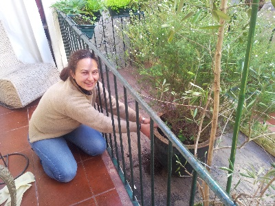 Mouraria apartment Paula cleaning garden
