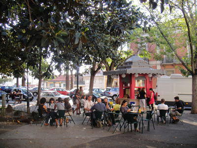 Kiosks in Lisbon drinks Principe Real