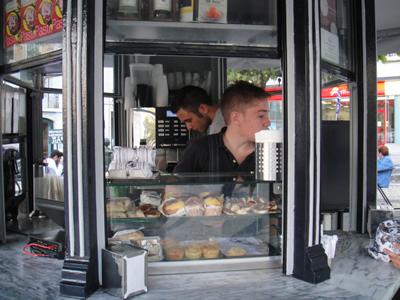 Kiosks in Lisbon snacks1