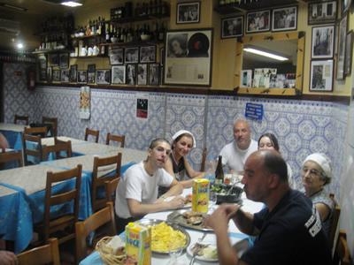 Lisbon restaurant Ze da Mouraria fado pictures