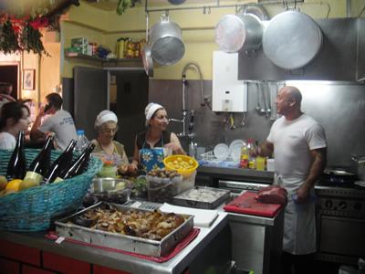 Restaurant Zé da Mouraria Lisbon kitchen