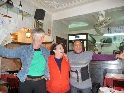 Restaurant Sao Cristovao Lisbon Febr 2013 dancing