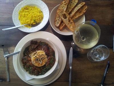 Vegetarian restaurant House of Wonders Cascais lunch goat cheese June 14