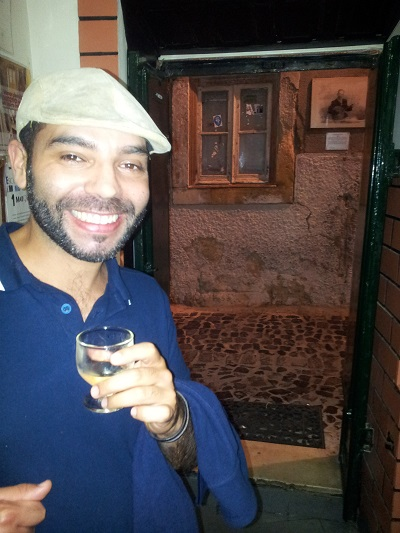 Lisbon Mouraria tiny tavern Os Amigos da Severa Felipe