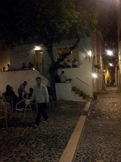 Lisbon Mouraria tiny tavern Os Amigos da Severa street nextdoor fado house
