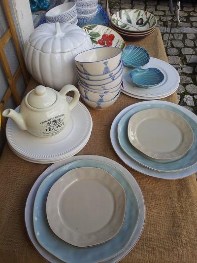 Lisbon Feira da Ladra shop Armazem Caldas tableware1