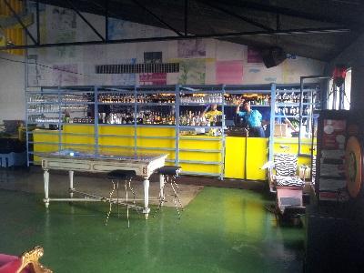 Lisbon LX Factory restaurant Rio Maravilho ambiance