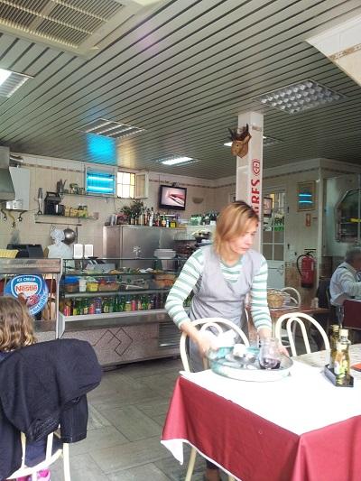 Mouraria Lisbon Laurinda restaurant O Cantinho