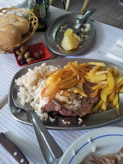 Restaurant Cantinho Mouraria Lisbon cheap traditional Portuguees food 10