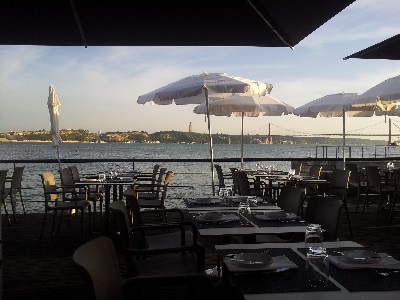 Restaurant Monte Mar Lisbon Tagus river 9